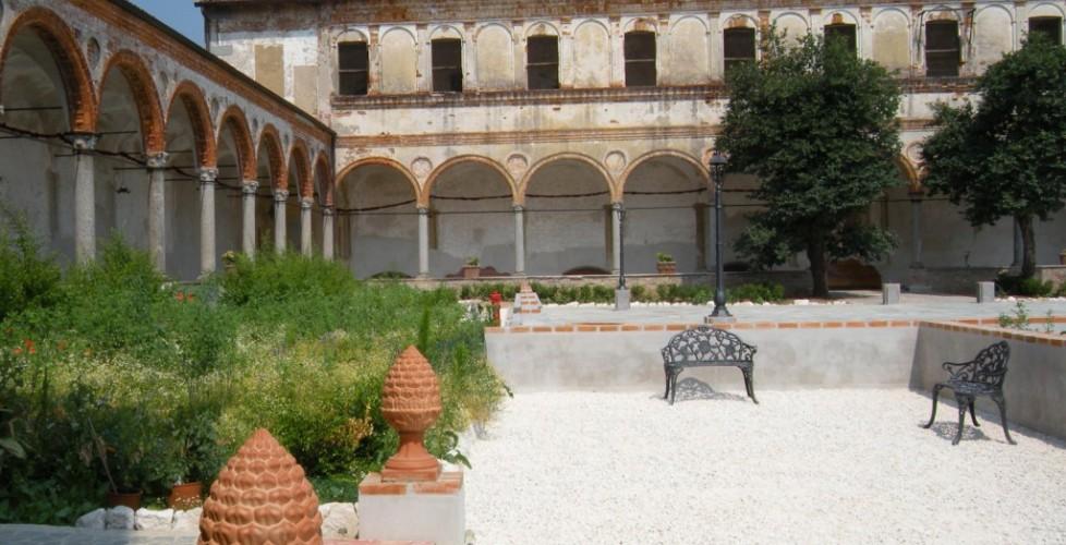 Esterni del Monastero